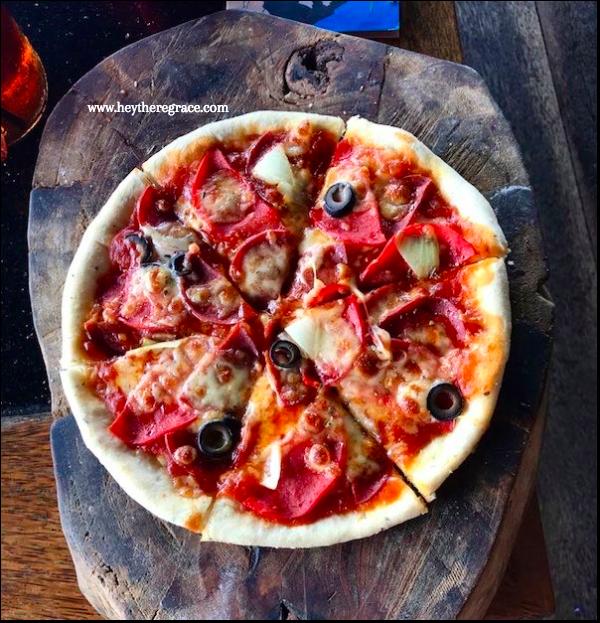 Rumah Miring Bandung - Pepperoni & Salami Standard Pizza Medium 2