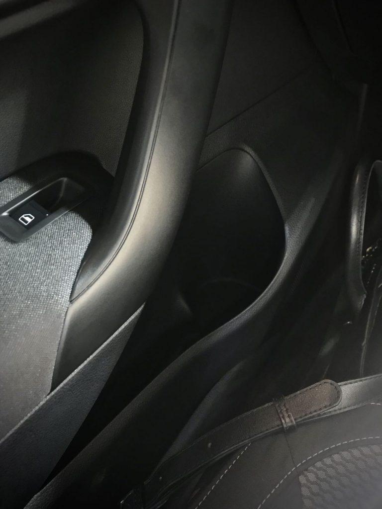 heytheregrace.com | Volkswagen Polo IIMS 2018 - front door storage