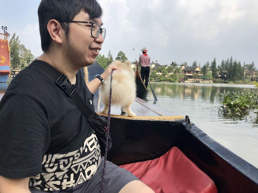 heytheregrace.com | Gondola at Little Venice Puncak