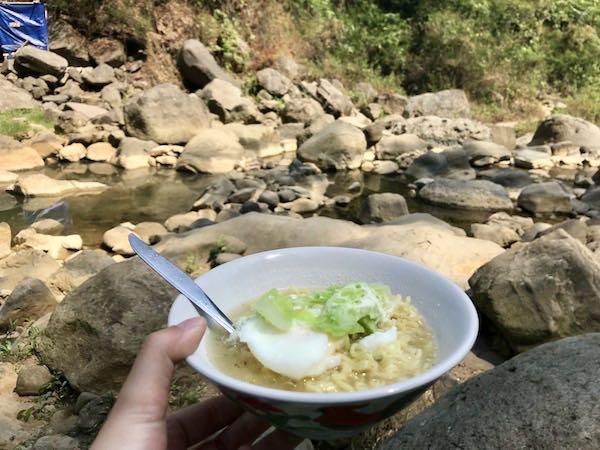 heytheregrace.com | Makan Indomie di Sanghyang Heuleut