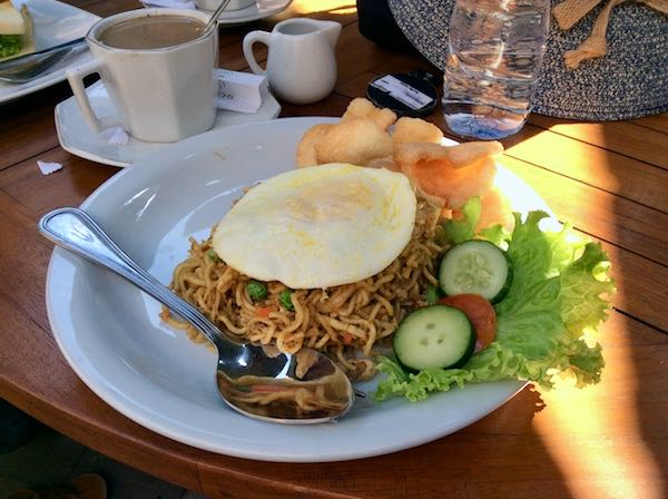 heytheregrace.com | Mie Goreng for Breakfast at Watu Agung Guest House