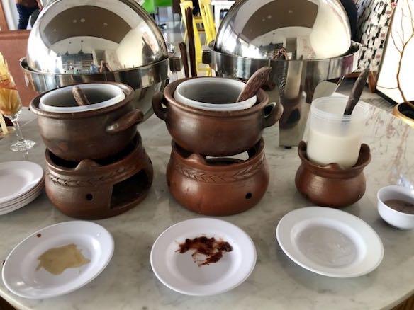 heytheregrace.com | Hotel Besar Purwokerto - Breakfast (Ketan Hitam dan Bubur Kacang Hijau)