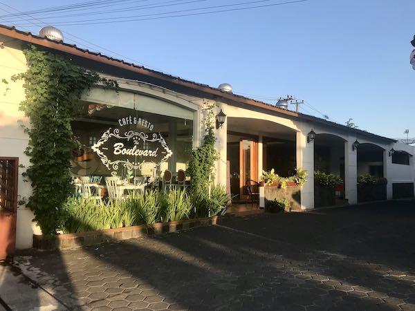 heytheregrace.com | Cafe & Resto Boulevard by Hotel Besar Purwokerto 2