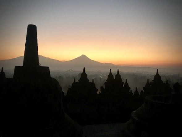 heytheregrace.com | Sunrise at Borobudur 12