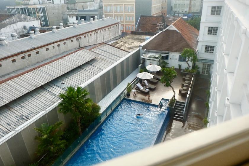 heytheregrace.com | Road Trip Tol Trans Jawa | Review Hotel Kokoon Surabaya : Pool (Kolam Renang)