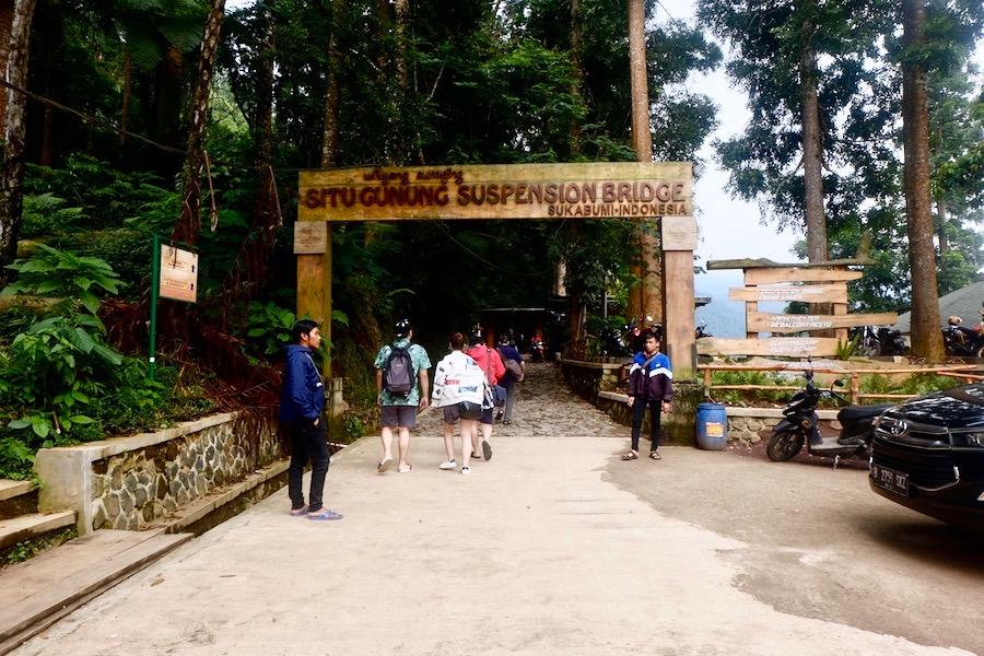heytheregrace.com   Situ Gunung Suspension Bridge